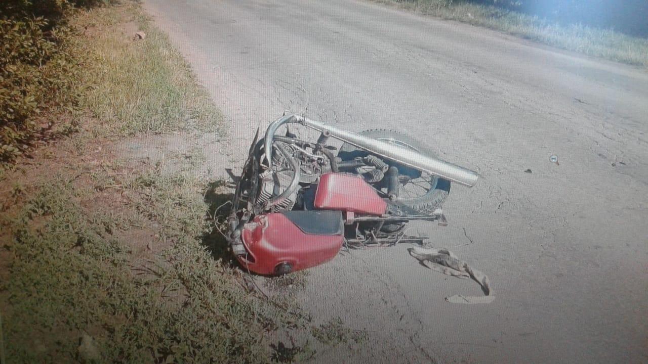 """Недалеко от Балаково 45-летний байкер наехал на """"семерку"""". От мотоцикла остался только корпус"""